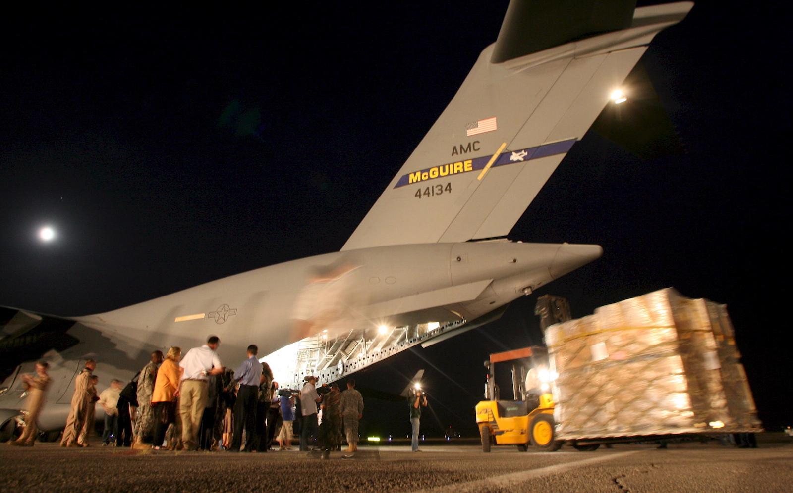 აშშ-ს ჰუმანიტარული დახმარება © EPA/ZURAB KURTSIKIDZE
