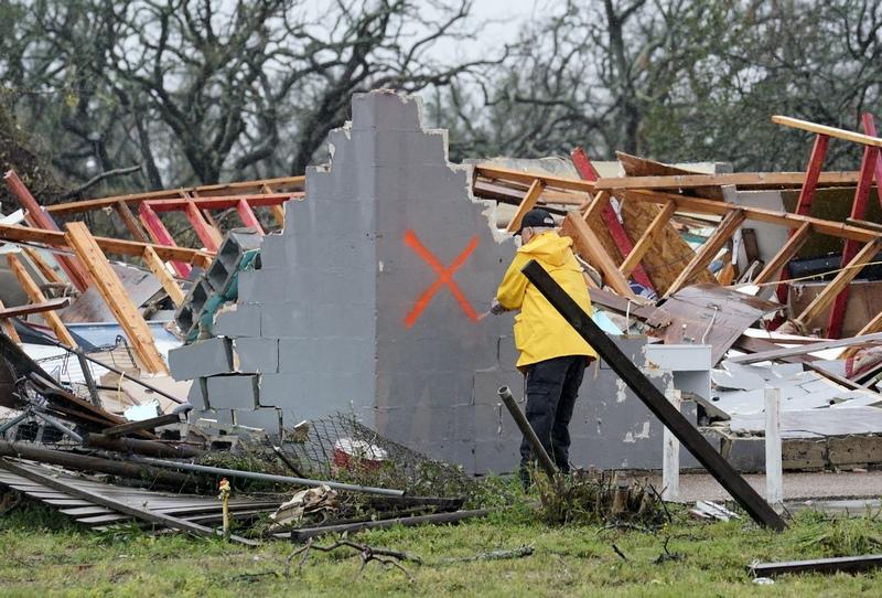 """ტეხასის შტატი, როკპორტი. სხლის ნენგრევები ქარიშხალ """"ჰარვის"""" შემდეგ EPA-EFE/DARREN ABATE"""