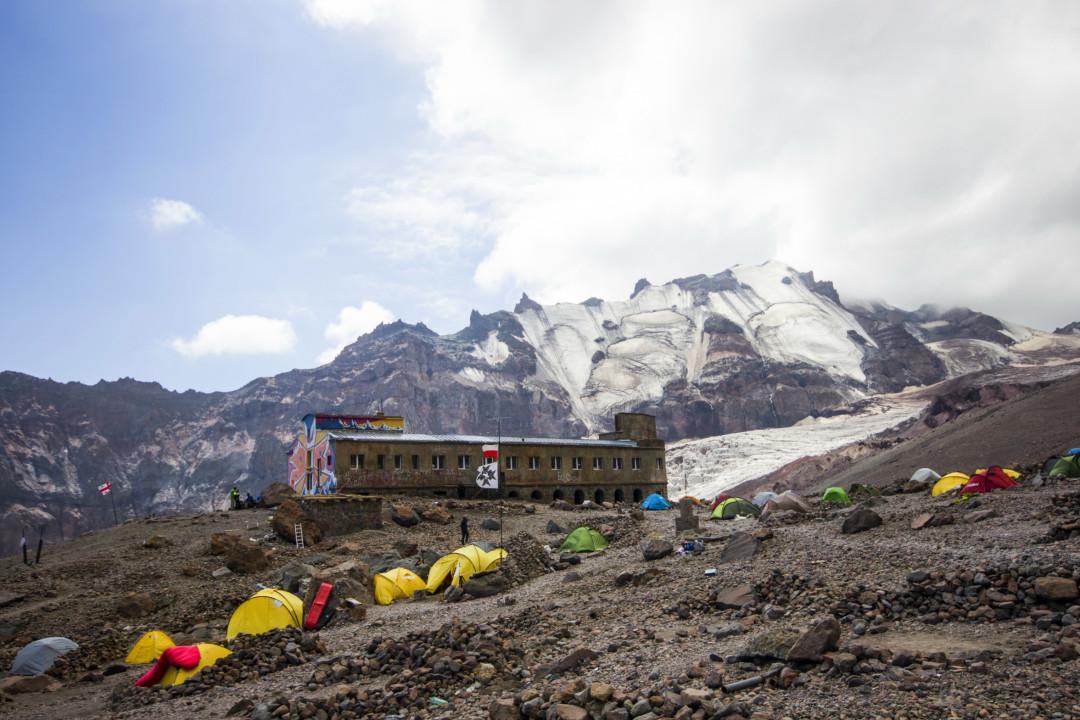 მეტეო სადგური, ზღვის დონიდან 3653 მეტრზე, ფოტო : 23 აგვისტო, ზაზა ბურჯანაძე