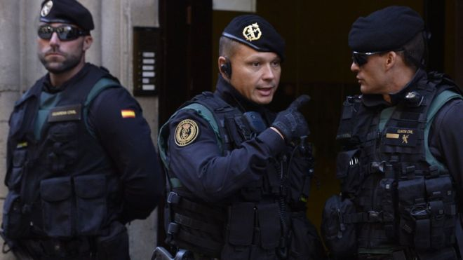 ესპანეთის პოლიციამ რეფერენდუმის აღსაკვეთად კატალონიის სამთავრობო დაწესებულებები დაიკავა