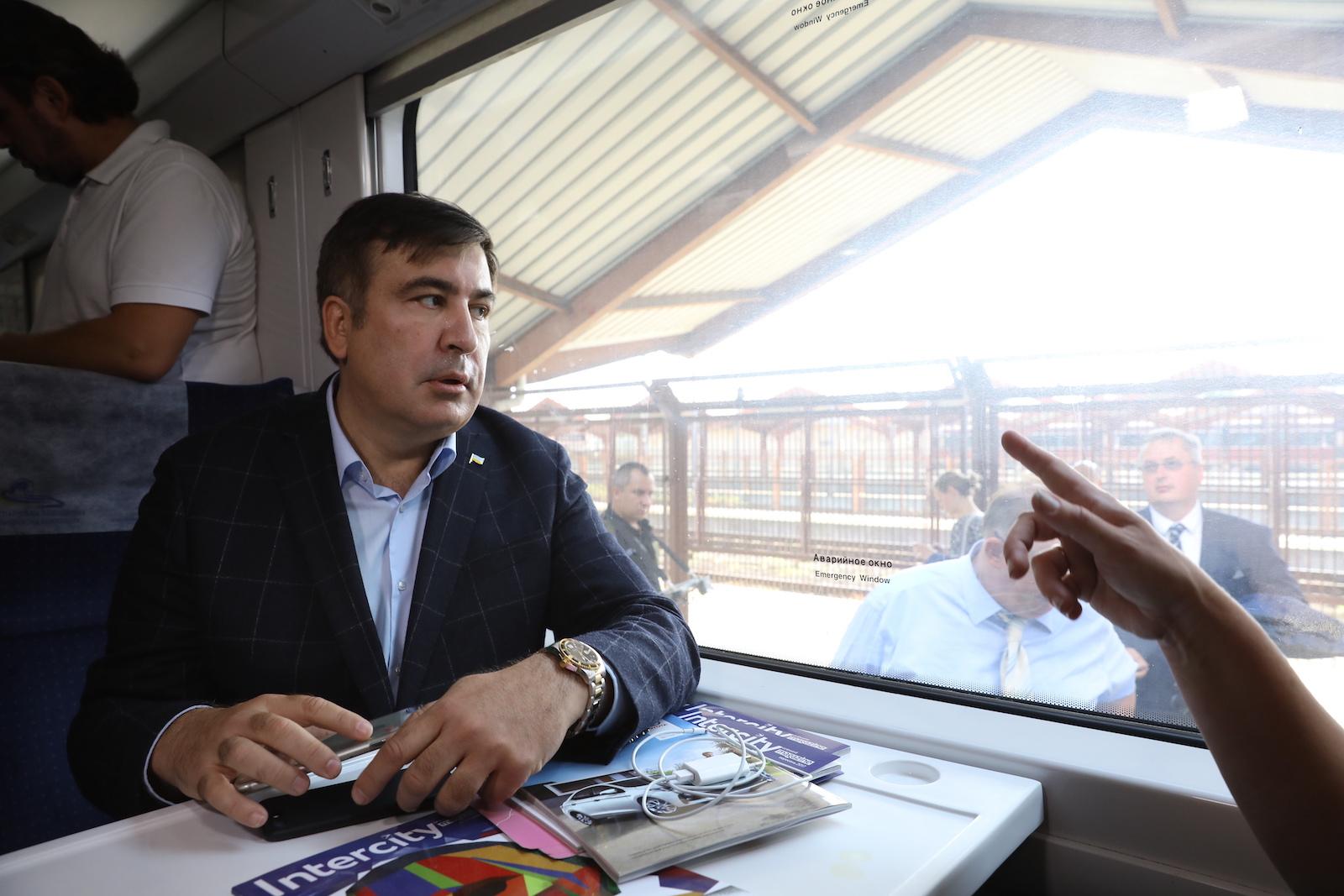 მიხეილ სააკაშვილი მატარებელში, რომელიც უკრაინაში არ შეუშვეს © EPA-EFE/Rafal Guz POLAND OUT