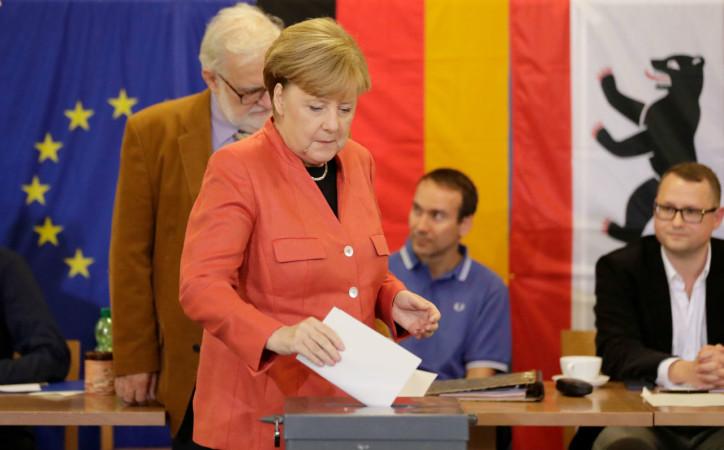 გერმანიის კანცლერი, ანგელა მერკელი, არჩევნებში ხმის მიცემის დროს. ბერლინი, გერმანია, 24 სექტემბერი 2017 წელი. ფოტო: EPA-EFE/CARSTEN KOALL