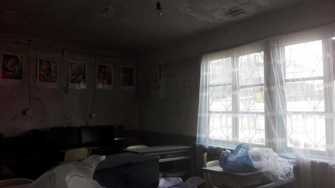 """როგორც ადგილობრივები ამბობენ, ეს საკლასო ოთახი """"კომპიუტერების ოთახია""""; სკოლა სოფელ კიროვკაში, მარნეული; 2017, ფოტო: ნეტგაზეთი"""