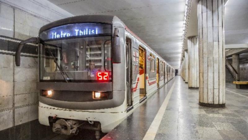 Около двух десятков машинистов метрополитена Тбилиси заражены ковидом