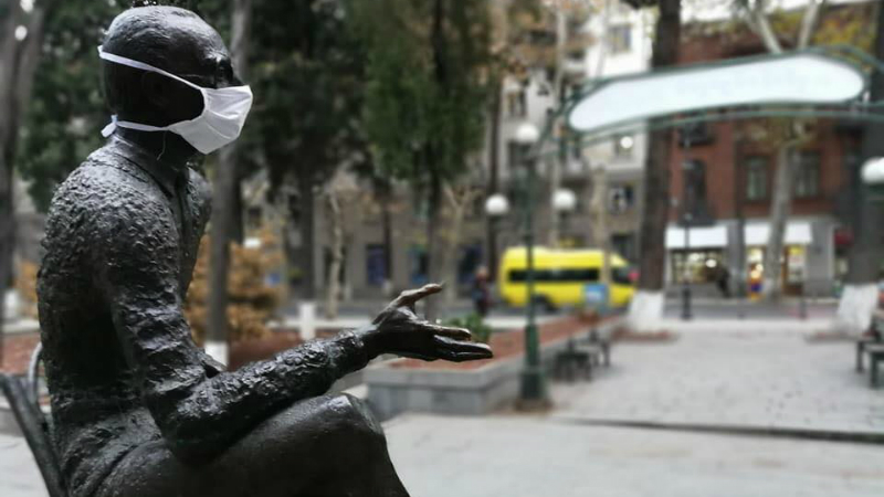 თბილისში ძეგლებს პირბადეები გაუკეთეს