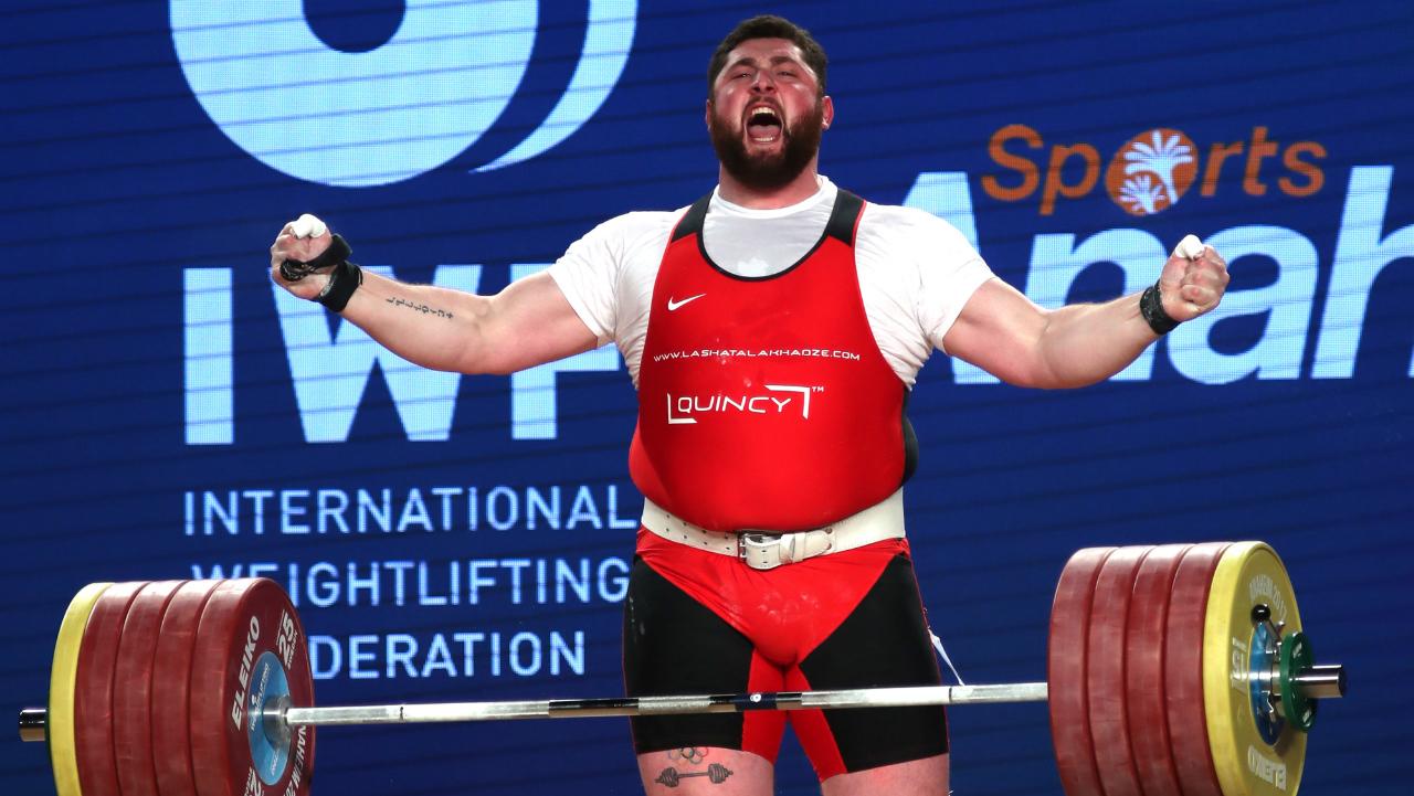Лаша Талахадзе установил мировой рекорд на чемпионате Европы по тяжелой атлетике