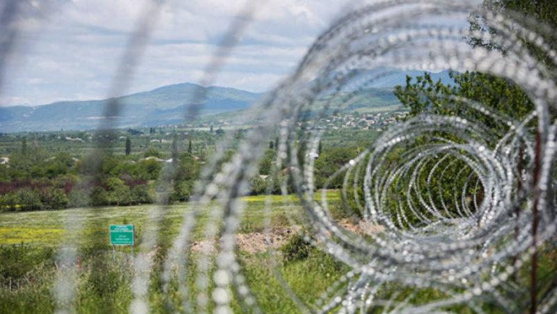 სუსის ინფორმაციით, რუსმა სამხედროებმა 2 პირი დააკავეს