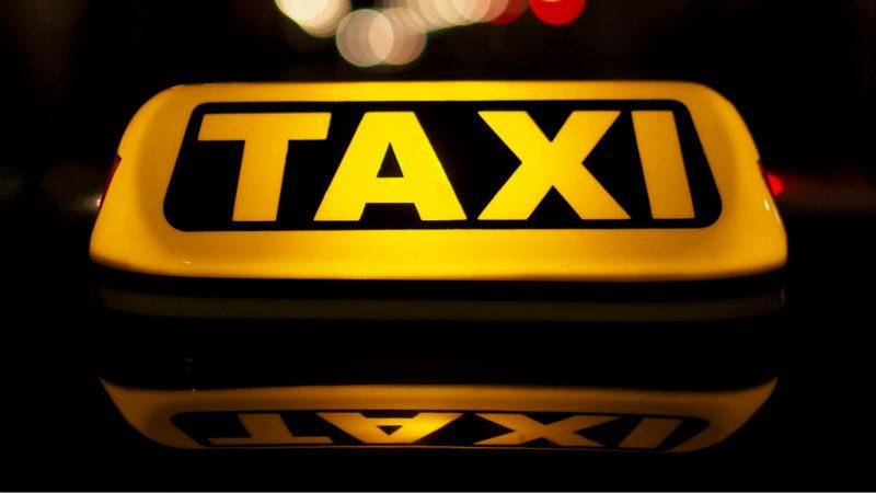 Праворульные такси смогут работать до 2022 года