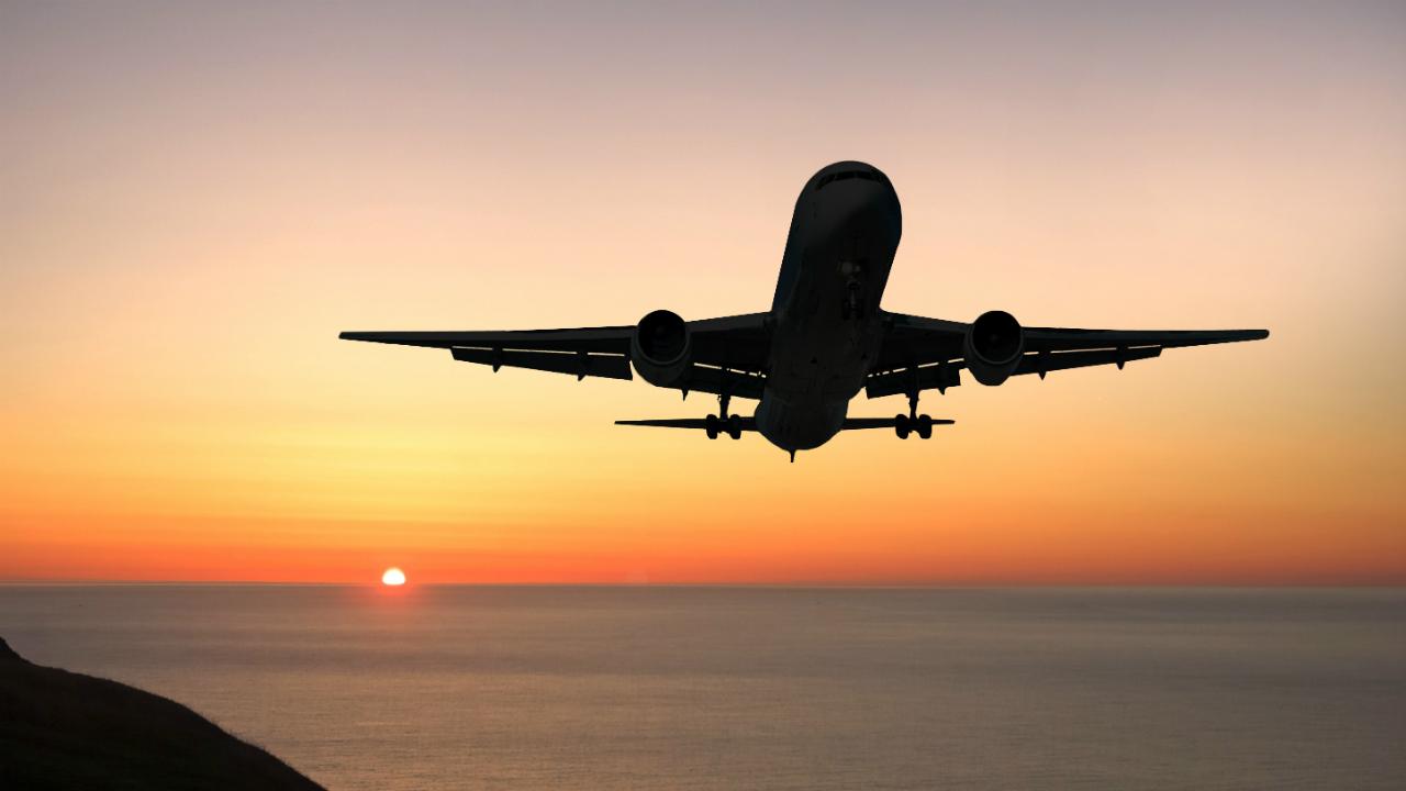 Wizz Air и Air Baltic временно прекращают полеты в Ригу и Вильнюс