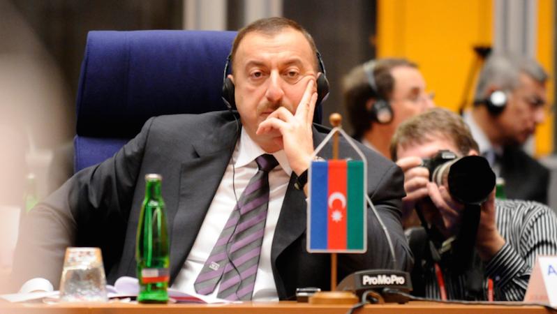 Президент Азербайджана поздравил премьера Грузии c победой на выборах