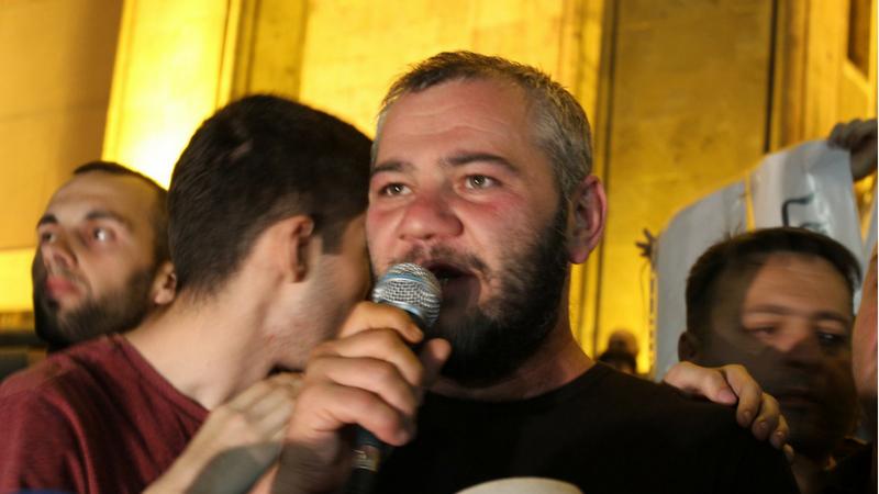 პოლიცია მშვიდობიანი შეკრების კონსტიტუციურ უფლებაში უხეშად ერევა, – NGO-ები