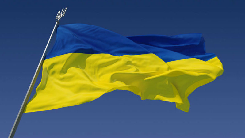 В Украине открывают школы, рестораны и тренажерные залы