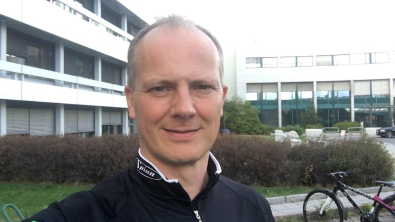 ნორვეგიის ტრანსპორტის მინისტრმა თანამდებობა ცოლის კარიერის მხარდაჭერის გამო დატოვა