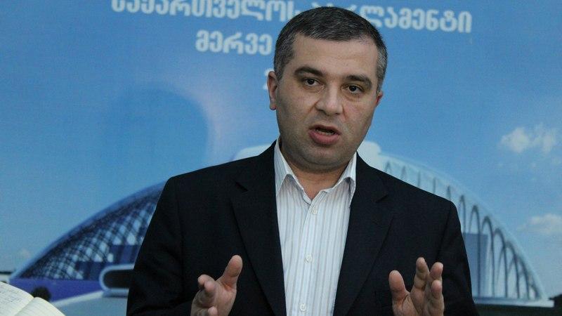Давит Бакрадзе не намерен вступать в какую-либо парламентскую фракцию