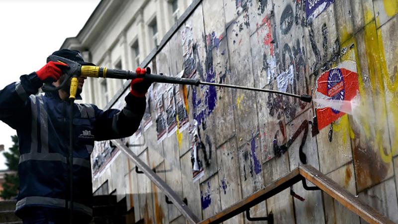 В мэрии Тбилиси создают атлас мест для расклеивания предвыборных плакатов