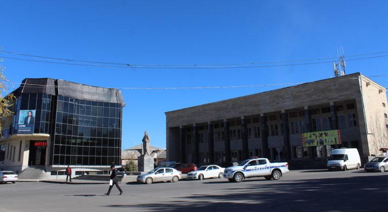 В Ахалкалаки граждане требуют открыть границу с Арменией