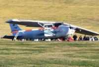 თვითმფრინავი, რომელიც ხალხის ჯგუფს შეეჯახა. ფოტო: Bild © osthessen-news.de/Matthias Kipper