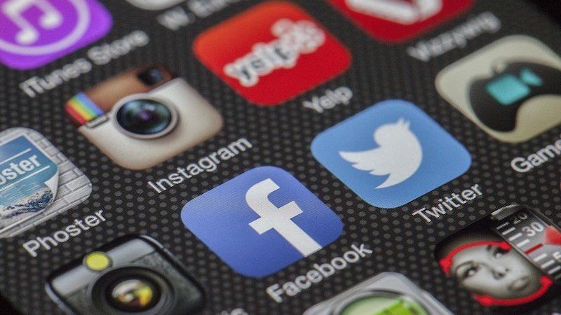 რუსეთის კომუნიკაციების მარეგულირებელი კომისია ფეისბუკისა და ტვიტერის წინააღდეგ