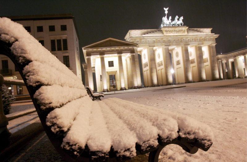 თოვლი ბერლინში. ფოტო: EPA/Arno Burgi