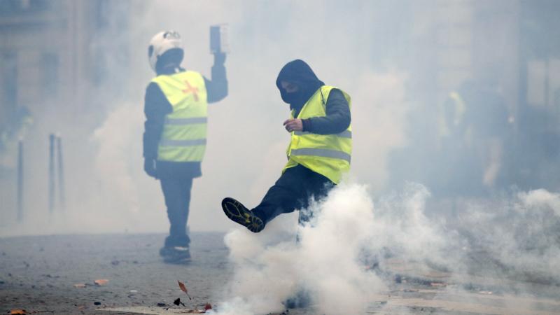 პროტესტი საფრანგეთში. ფოტო: EPA/IAN LANGSDON