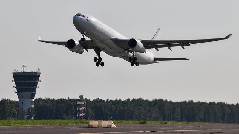 Министр экономики: С 1 февраля в Грузии возобновятся регулярные авиарейсы
