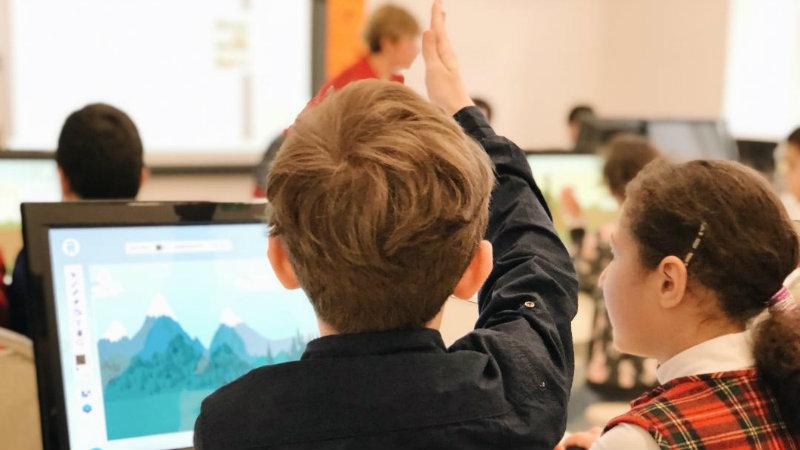 Метровая дистанция, дезинфекция, меньше учеников в классе — вызовы грядущего учебного года