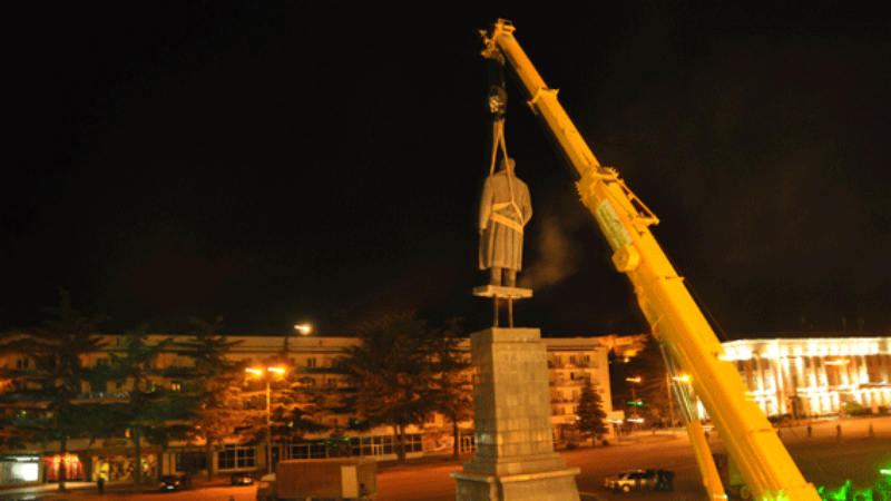 ძალიან კარგი იქნებოდა სტალინის ძეგლის აღდგენა – გორის ტურიზმის ცენტრის უფროსი
