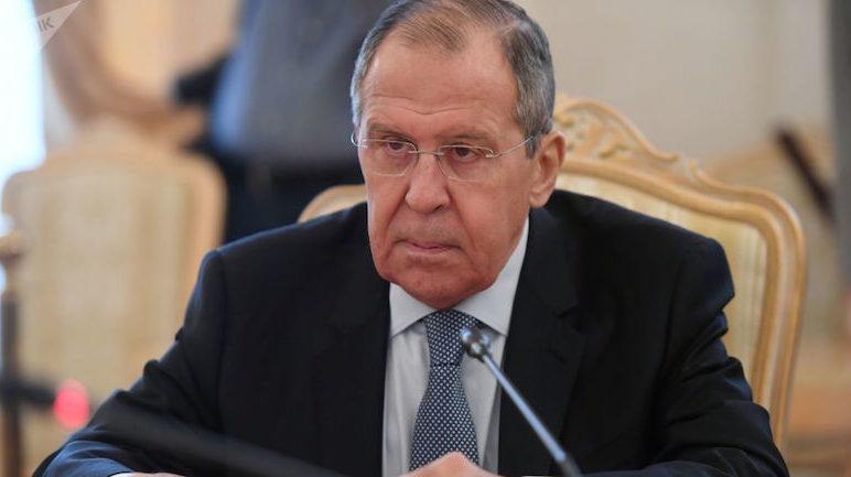 Лавров прокомментировал введение в Карабах российских миротворцев