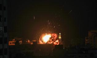 ისრაელის საჰაერო დარტყმა ღაზაზე. ფოტო: EPA/MOHAMMED SABER