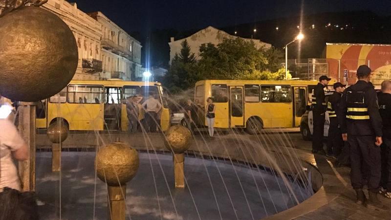 """""""არ ვაპირებთ ყვითელი ავტობუსებით წასვლას, მოძალადე ჯგუფები გაიყვანონ"""" — აქტივისტი"""