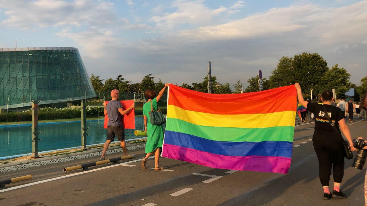 Грузинские НПО призвали власти защитить представителей ЛГБТ-сообщества