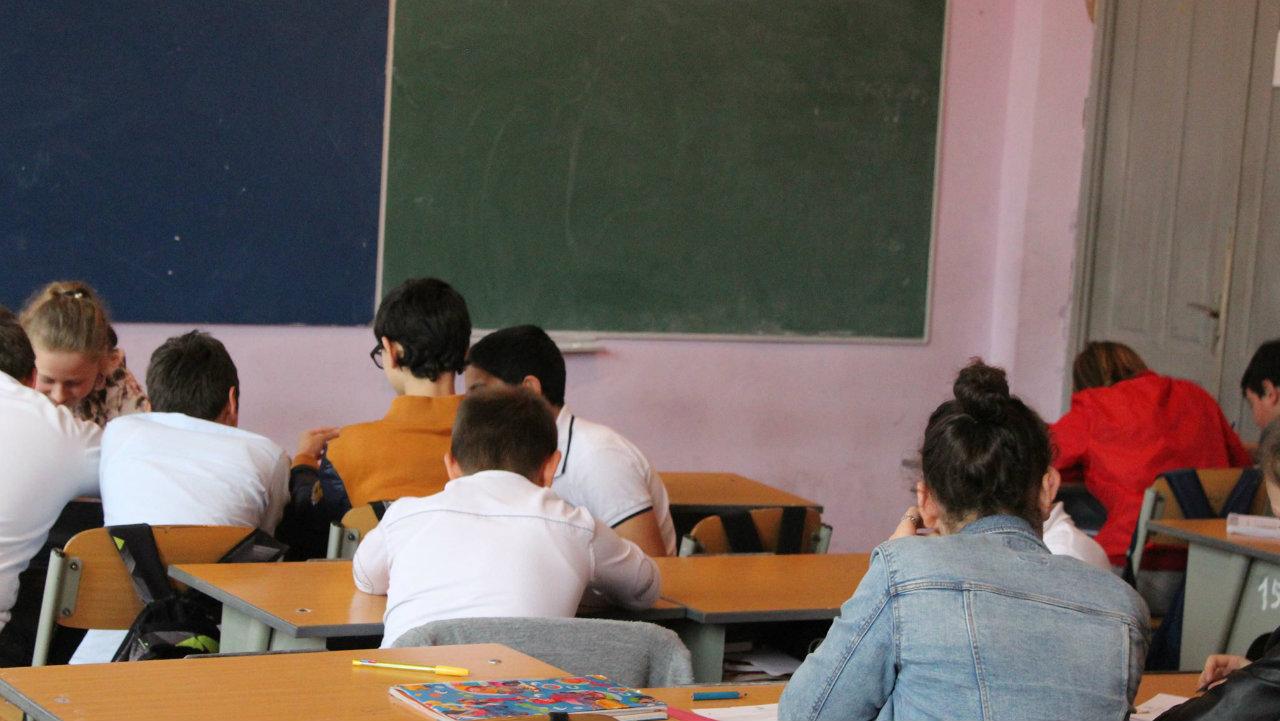 შეზღუდვების გაუქმებისას პრიორიტეტი უნდა იყოს სკოლების გახსნა – Unicef