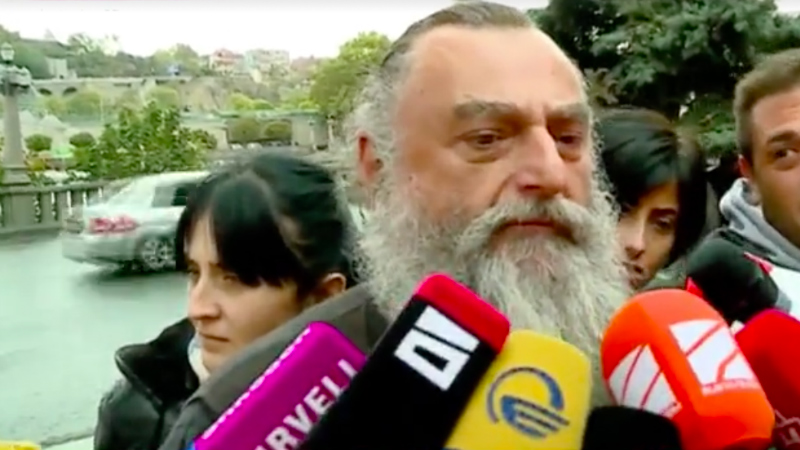 მიტროპოლიტი ნიკოლოზი სააკაშვილთან შესახვედრად რუსთავის ციხეში შევიდა
