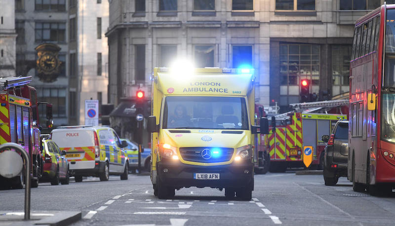 დანით თავდასხმას ლონდონში 2 ადამიანი ემსხვერპლა, ჰააგაში 3 დაჭრეს