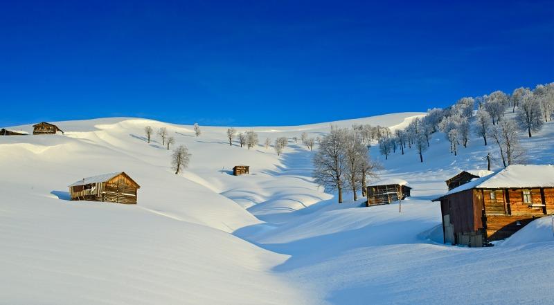 თოვლი, თხილამურები და ზამთრის ზღაპრული თავგადასავალი აჭარის მთებში