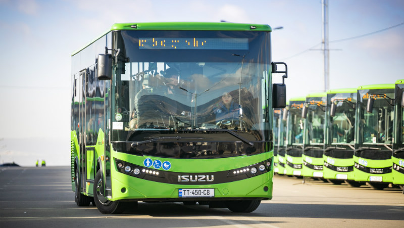 Общественный транспорт в Тбилиси будет работать до 23:00 часов