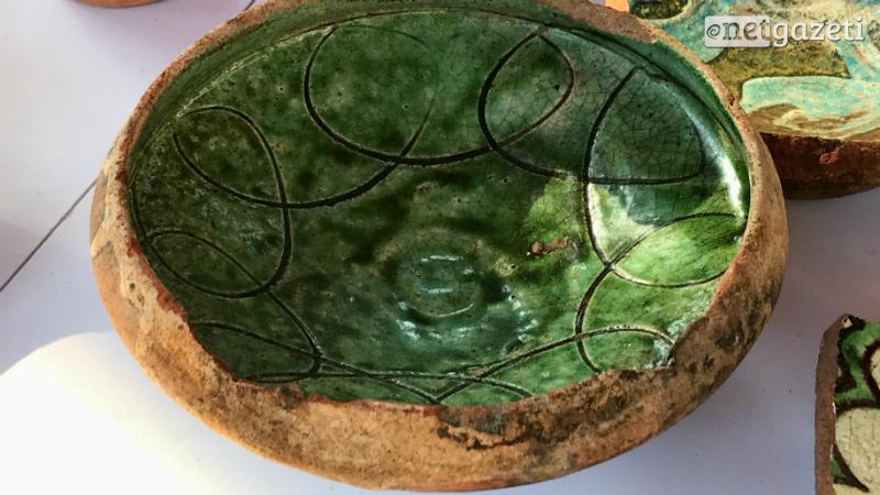 გუდიაშვილის მოედანზე XI-XII საუკუნის მოჭიქული კერამიკა აღმოაჩინეს