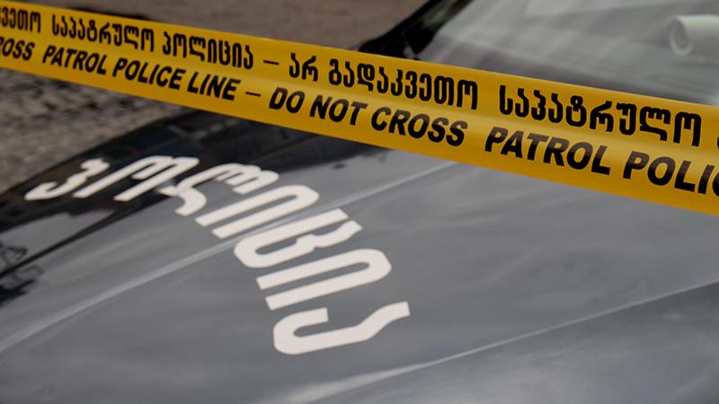 В Тбилиси возле станции метро «Варкетили» автомобиль сбил с пешехода