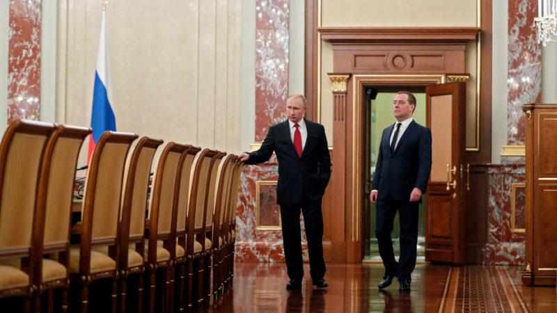 მთავრობა გადადგა, პუტინს კონსტიტუციის შეცვლა სურს: რა ხდება რუსეთში