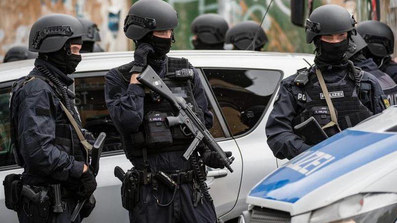 გერმანიაში დანით თავდასხმას 3 ადამიანი ემსხვერპლა