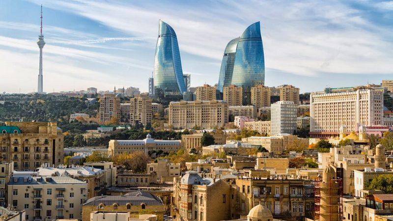 Баку заявляет об уничтожении военной техники и живой силы противника