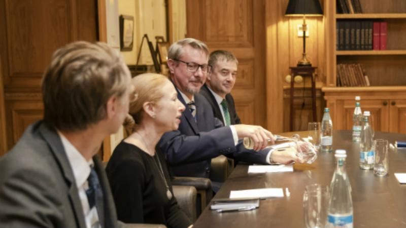 Сегодняшний раунд переговоров между властями и оппозицией не состоится