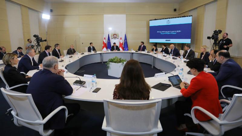 Власти обратились к жителям Тбилиси, Батуми и Кутаиси со «строгой рекомендацией»