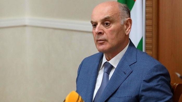 Бжания: Россия — фактор, сдерживающий войну в Абхазии