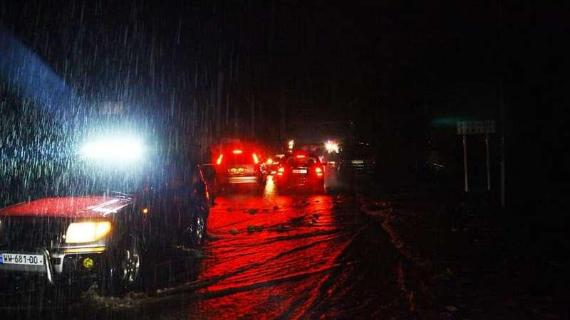 Улицы Кутаиси затопило из-за сильного ливня