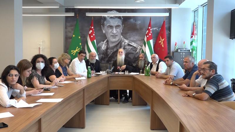 «Признавших независимость Абхазии встретим с почестями» — в Сухуми вновь обсуждают «икону АПГ»