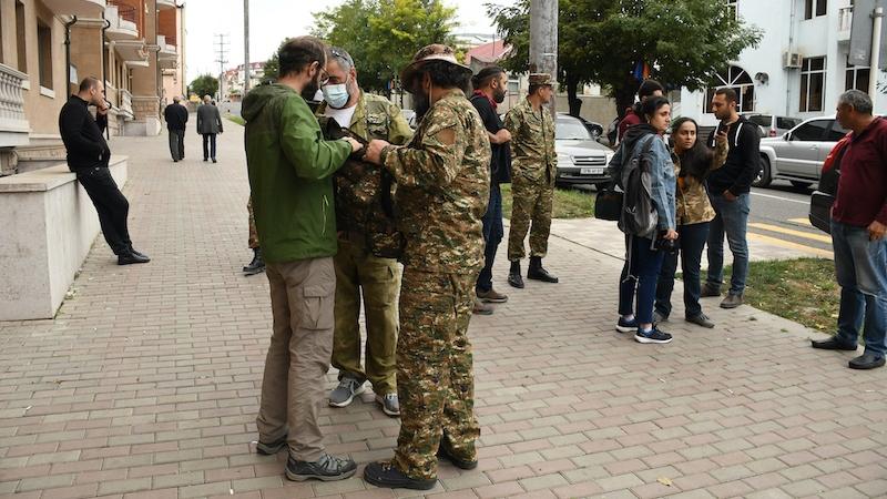 Азербайджан и Армения сообщают о военных успехах в Карабахе