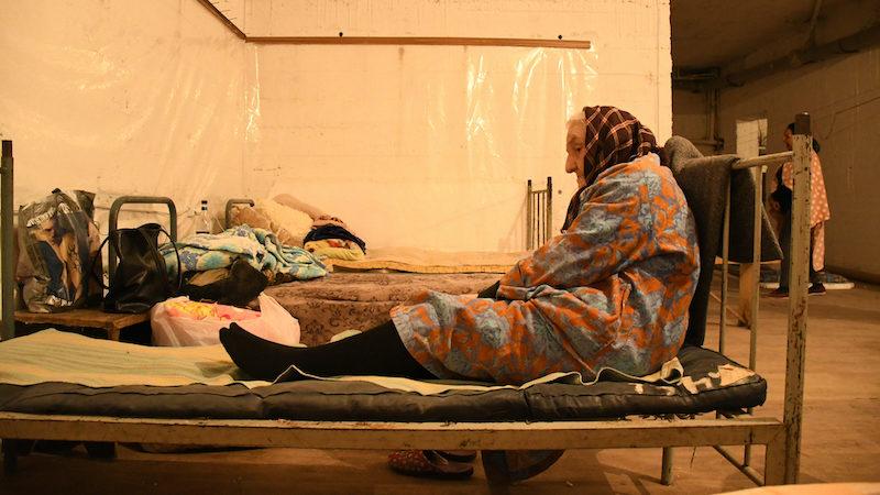Война в Карабахе вынудила людей уйти в убежища. Фоторепортаж из Степанакерта