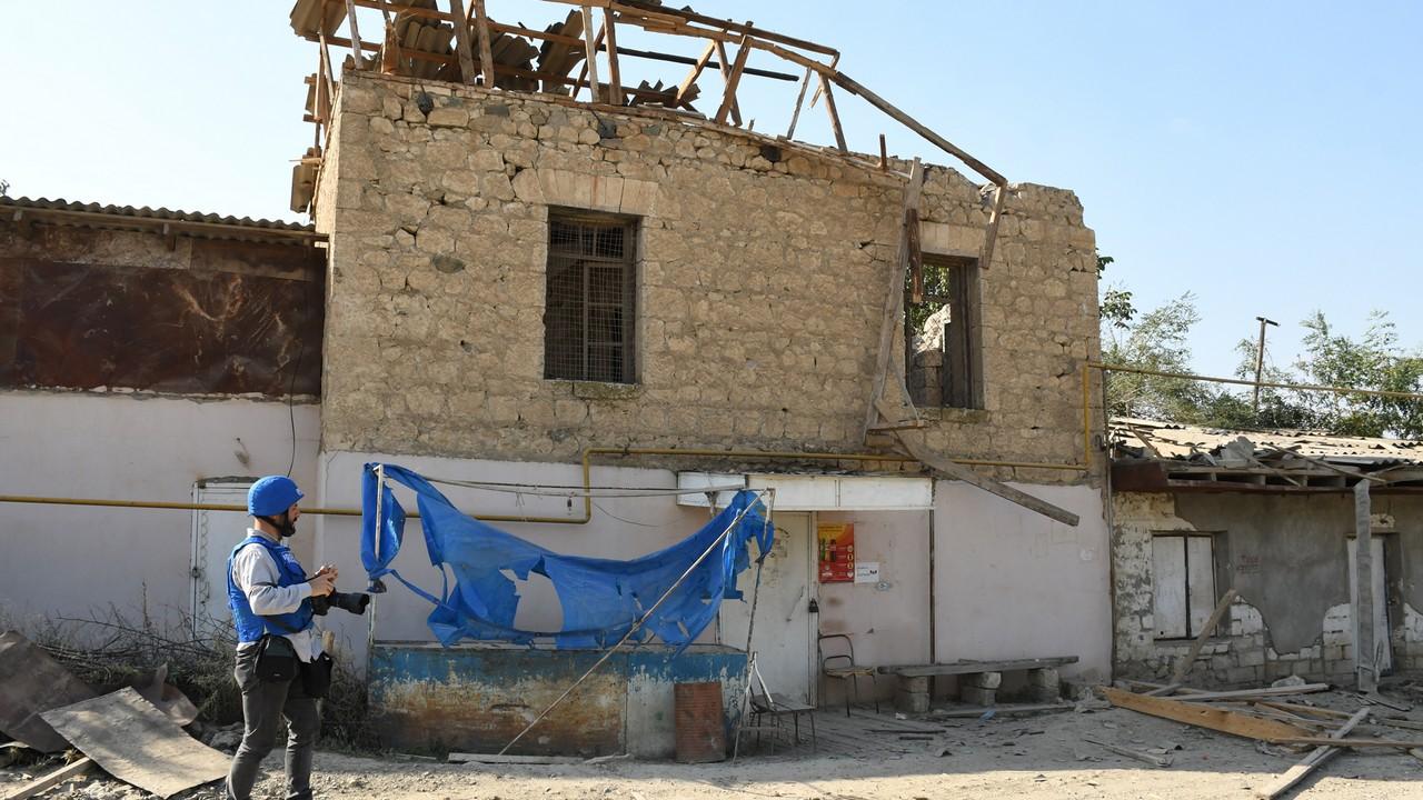 საბრძოლო მოქმედებებისას დაზიანებული შენობები; ფოტო: ნარეკ ალექსანიანი/ნეტგაზეთი