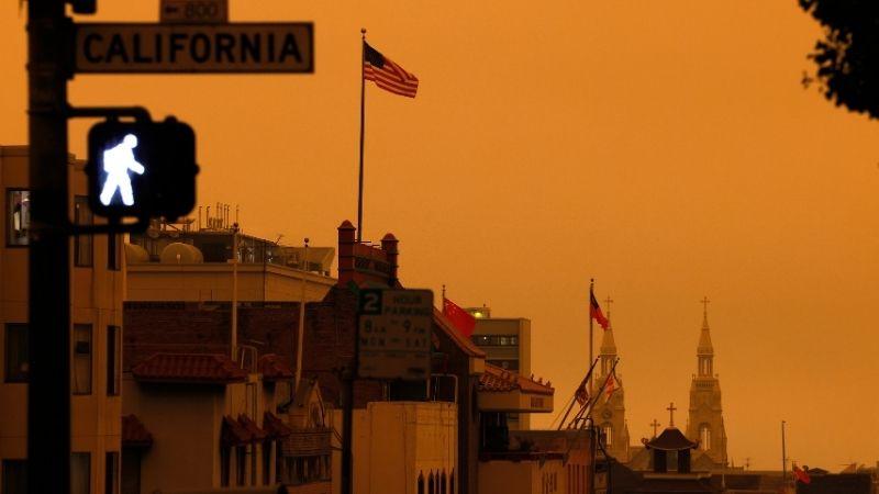 კალიფორნიის ცა ტყის ხანძრის ფონზე. 09.09. 2020 ფოტო: EPA